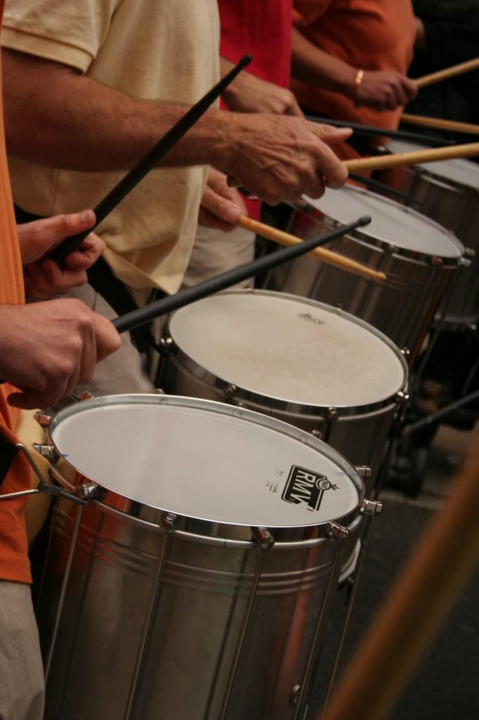 répinique : percussion brésilienne